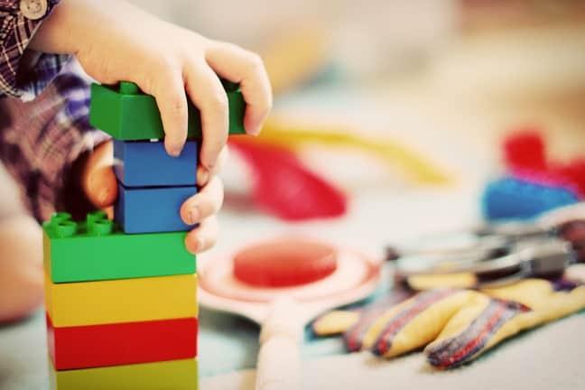 mantenimiento-preventivo-control-plagas-negocio-trabaje-con-niños